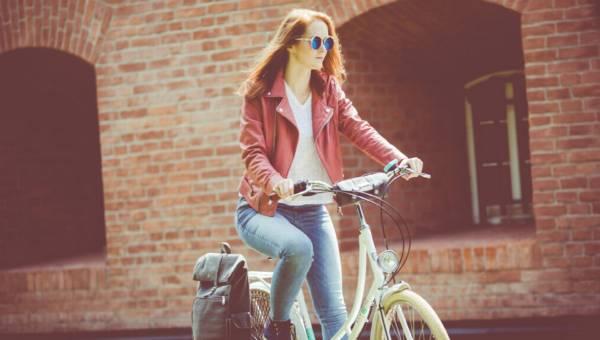 Niezbędnik rowerzystki: Jak przygotować rower na jesień?