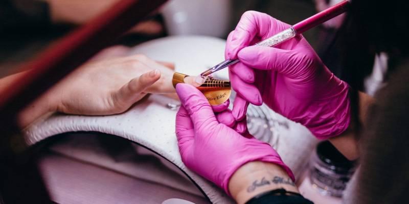 paznokcie po hybrydzie - zdejmowanie i regeneracja