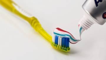 Błędy w myciu zębów: 10 najpopularniejszych