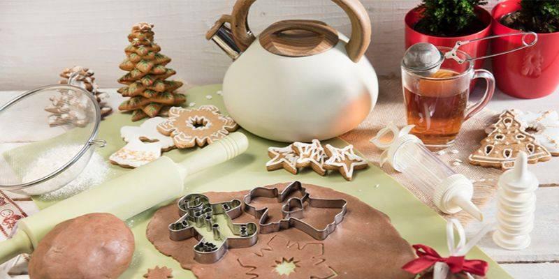 Kuchenne akcesoria na świąteczne pieczenie pierniczków
