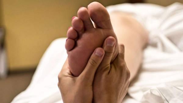 Receptory na stopach – jak je masować?