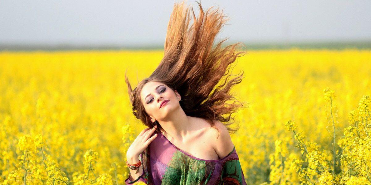 sposób na przetłuszczające się włosy
