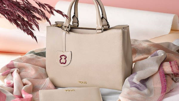 Modne i eleganckie torebki do pracy – 4 propozycje