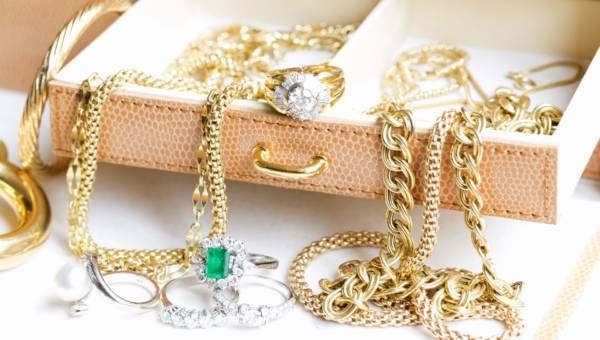 Biżuteria w stylu ulubionego serialu