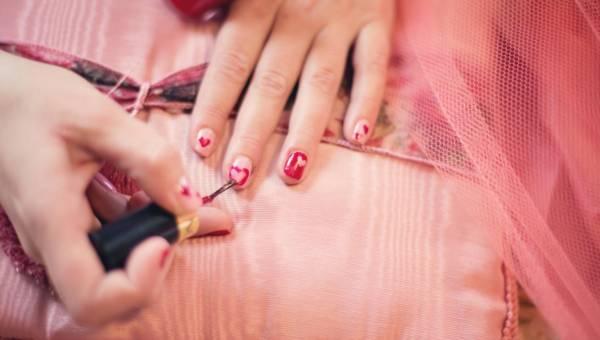 | Paznokcie na Walentynki – wzory, w których się zakochasz!