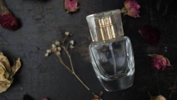 Jak pachnie miłość? Przedstawiamy perfumy dla niepoprawnych romantyczek!