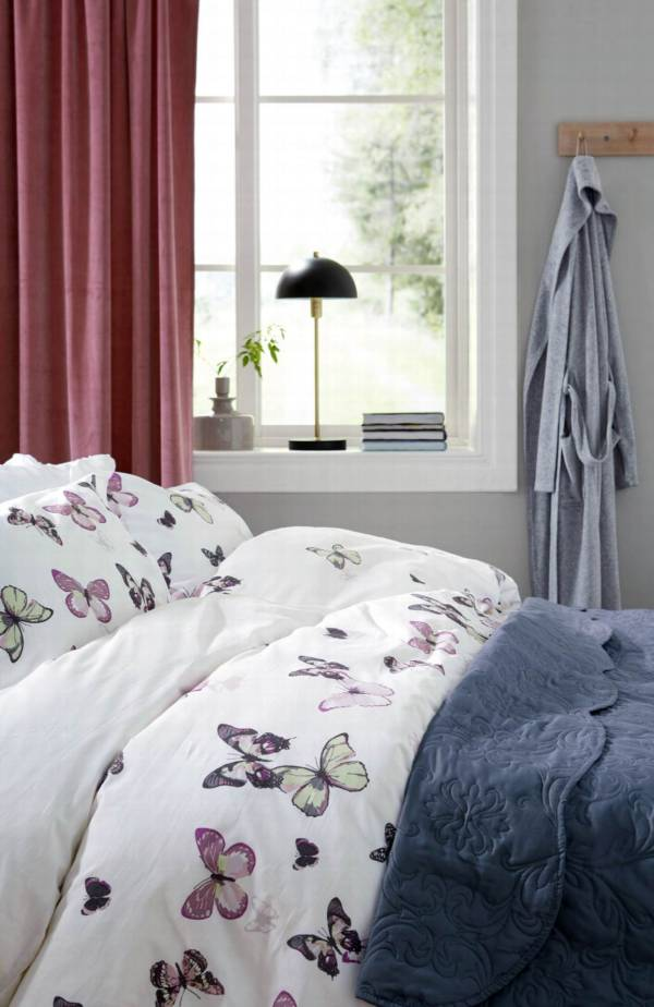 motyle w sypialni