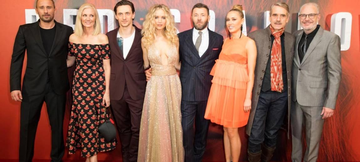 """Jeremy Irons, Jennifer Lawrence i Joel Edgerton na premierze """"Czerwonej jaskółki"""""""