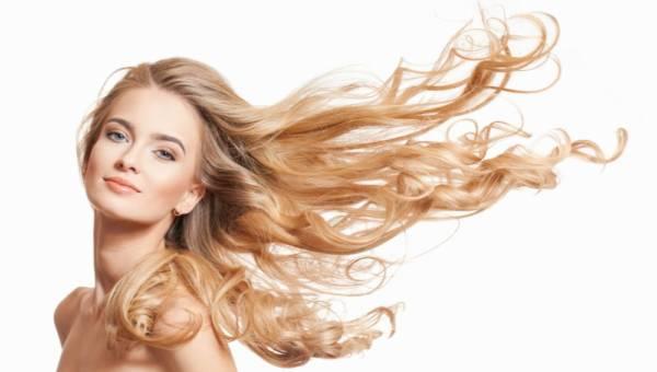Czy dobry balsam do włosów ujarzmi niesforne kosmyki?