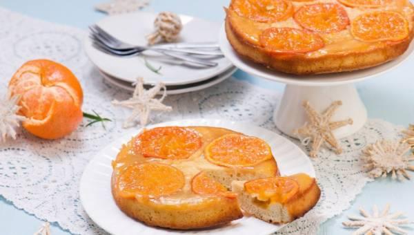 Odwracane ciasto mandarynkowe na zimowe wieczory
