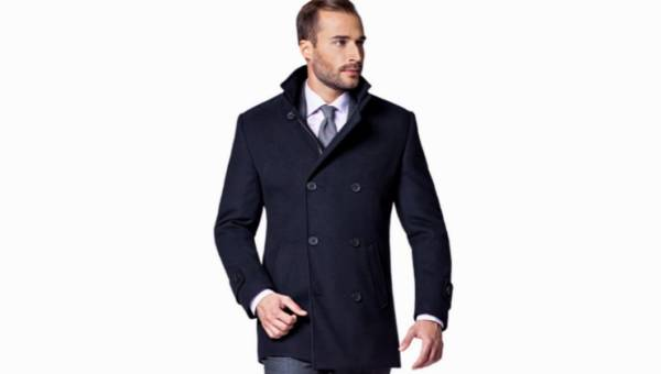 Modne kurtki i płaszcze męskie (zimowe i jesienne) z wyprzedaży. Przegląd ponadczasowych modeli, które teraz kupisz taniej