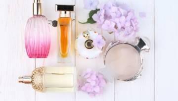 5 flakoników perfum, które urzekną każdą elegantkę