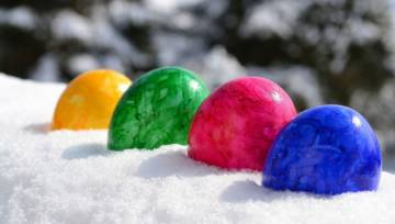 3 pomysły na jajka marmurkowe: barwione naturalnie