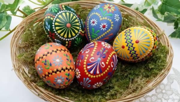 Wielkanocne pisanki, kraszanki i inne dekoracje jajek. Najlepsze pomysły!