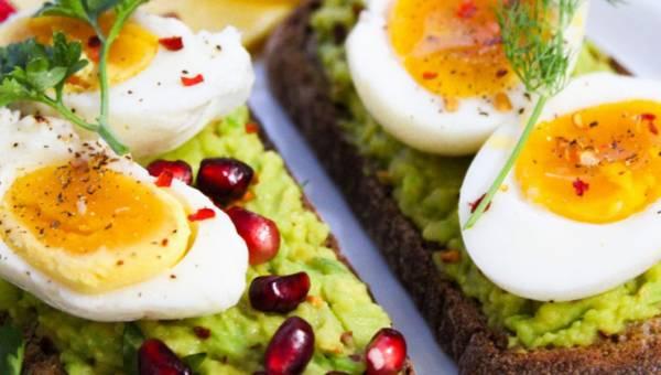 Przepisy na jajka wielkanocne: 20+ oryginalnych dań z jajkami