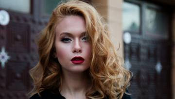 Makijaż dla rudych kobiet – 4 zasady dzięki którym stworzysz idealny look