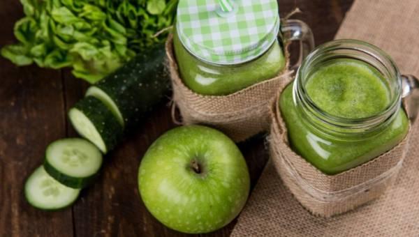 Jak zadbać o skórę na wiosnę? Regenerujące napoje dla Twojej cery