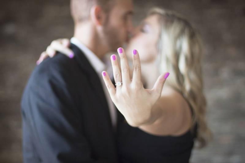 Oryginalne zaręczyny. O jakich oświadczynach marzą kobiety?