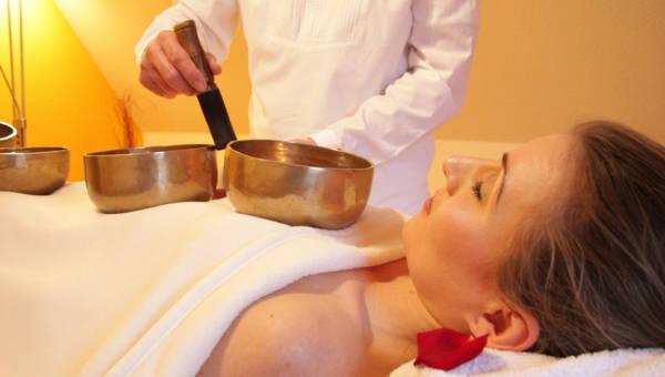 Relaksacyjne kąpiele dźwiękowe – poznaj najnowszy trend spa!