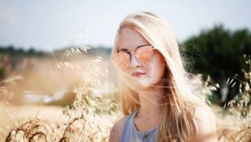 Modne okulary przeciwsłoneczne 2018: zobacz, jakie fasony są na czasie!