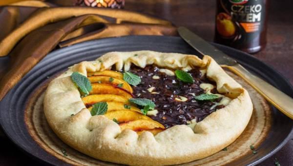 Przepis na tartę z ricottą, brzoskwinią i czekodżemem