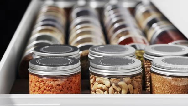 Ład i porządek w kuchni to podstawa. Jak je osiągnąć szybko i skutecznie?