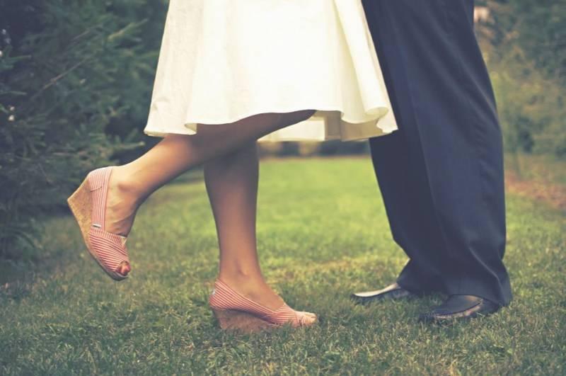 Jak optycznie wyszczuplić nogi?