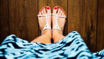 Sposoby na ciężkie nogi, opuchnięte kostki i zmęczone łydki