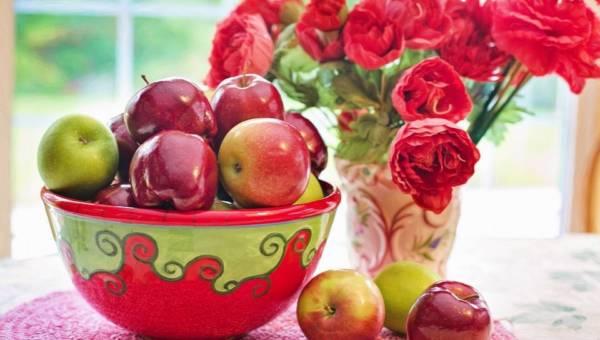 Jak pozbyć się muszek owocówek: domowe sposoby