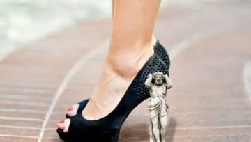 Ball heels – dziwaczna konkurencja dla klasycznej szpilki