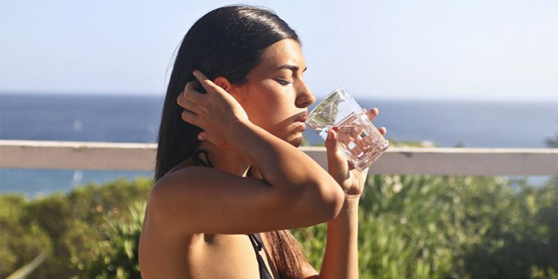 10 oznak, że pijesz za mało wody