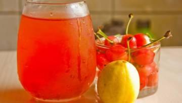 DIY: Syrop z czereśni – idealny do deserów i lodów waniliowych!