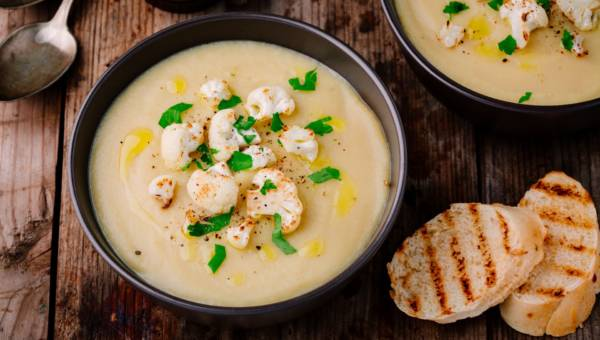 Zupa krem z kalafiora na rozpoczęcie sezonu kalafiorowego!