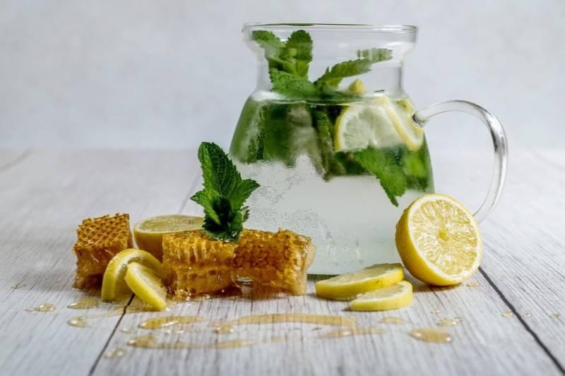 Domowa lemoniada. 5 pomysłów na orzeźwiające napoje!