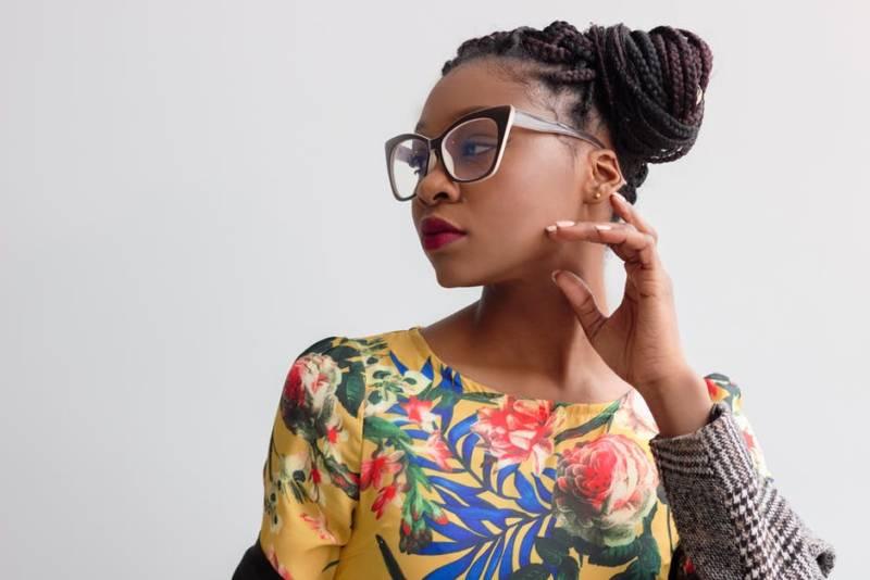 Warkoczyki afrykańskie. Jak zrobić oryginalną fryzurę na lato?