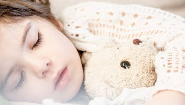 Łóżko dla dziewczynki – jak podjąć wybór?