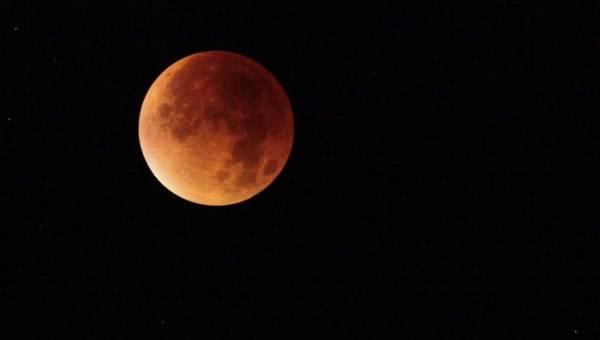 Całkowite zaćmienie Księżyca 27 lipca 2018. Najdłuższe od 100 lat!