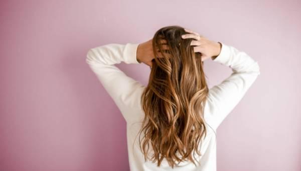 DIY: domowy szampon na porost włosów