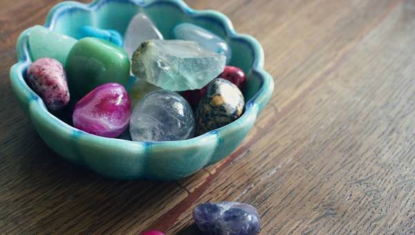 Magiczne kamienie na dobry sen. Kamienie szlachetne i półszlachetne na bezsenność
