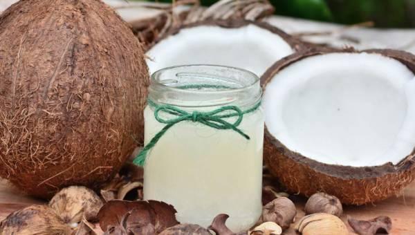 DIY Balsam utrwalający opaleniznę z masła kakaowego i oleju kokosowego