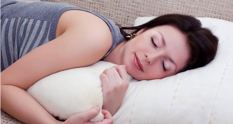 Jak zasnąć w upalną noc