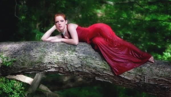 Makijaż do czerwonej sukienki – jaki pasuje najlepiej?