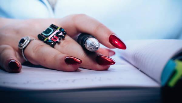 Modny manicure na jesień 2018 – 6 najważniejszych trendów!