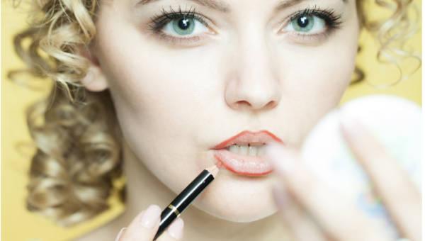 Wasze porady: Pielęgnacja włosów, makijaż i oczyszczanie cery, przechowywanie oraz użytkowanie kosmetyków