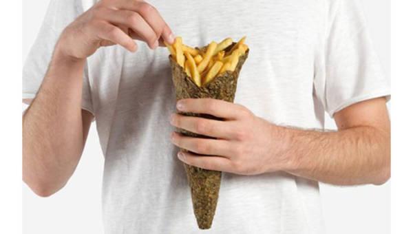 Designerzy stworzyli ekologiczne pudełko na frytki zrobione z… obierków ziemniaków!