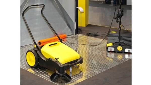 Szybko i efektywnie, czyli o czystość dużych powierzchni