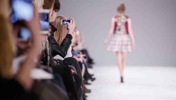 Jakie trendy będą rządzić w modzie jesienią?