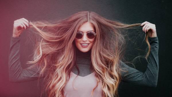 Ptasie włosy – hit czy kit? Nowy, dziwny pomysł na jesienną koloryzację!
