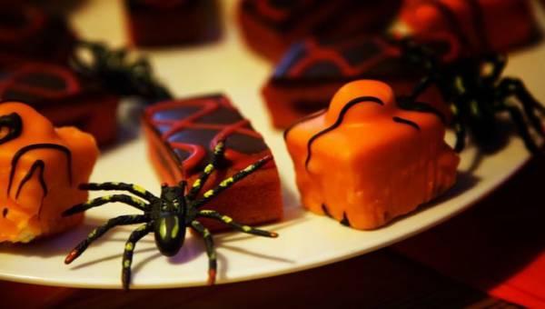 Co zamiast słodyczy na Halloween? Kilka propozycji drobnych upominków