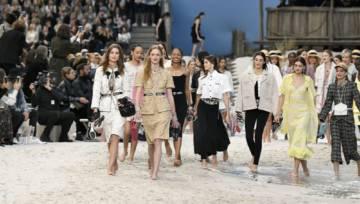 Niezwykły pokaz mody Chanel wiosna lato 2019. Karl Lagerfeld przeniósł Paryż nad morze!